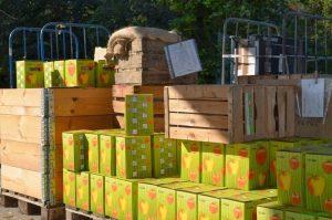Saftpakete fertig zur Abholung bei unserer Mosterei/Kelterei/Safterei